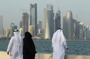 qatar two men woman
