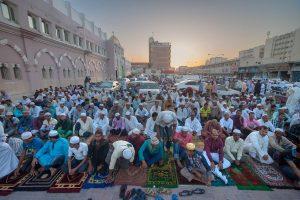 muslims-pray-qatar